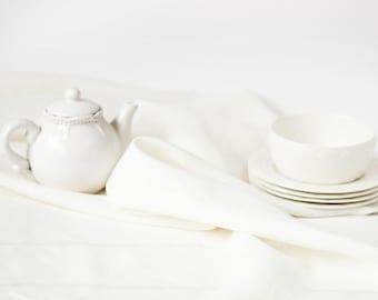 White linen table setting - White linen tablecloth and 6 white napkins set - Table runner and linen napkins set - Easter table decor