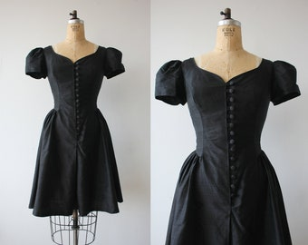 vintage 1980s dress / 80s Laura Ashley dress / 1980s designer dress / 80s raw silk dress / 80s little black dress / sweetheart neckline / M