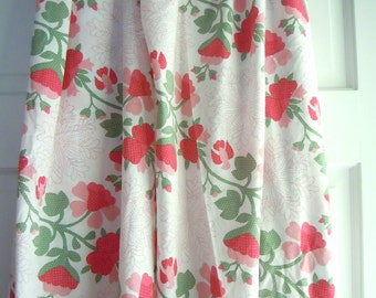 Red Floral Vine Quilt Print Vintage Fabric- 2 Plus Yards- Floral Wreath Pattern