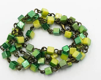 """20"""" green/gold cube necklace"""