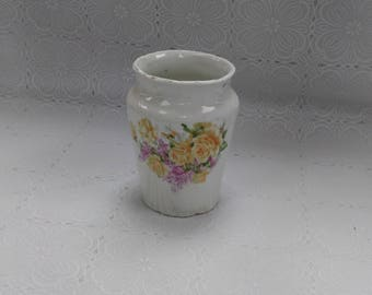 Vintage Floral Porcelain Small Vase Victorian Look Shabby Chic Yellow Roses (2)