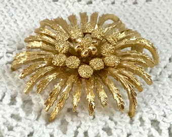 MONET Gold Brooch Large Circular Textural Stylised Flower Shape Lapel Pin - Signed on the Back - Gift Boxed