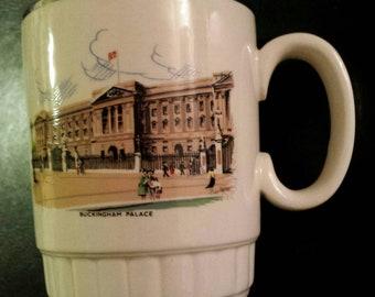 1980s Vintage Buckingham Palace Coffee Mug