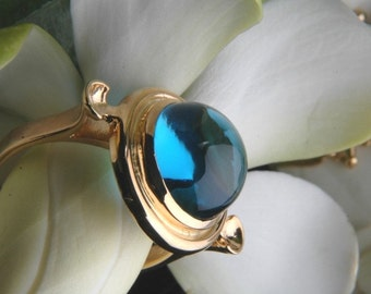 Heart of Water Ring in Swiss Blue Topaz and 18K Gold, Ready to Ship