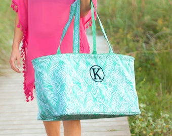 Personalized Tote Bag, Personalized Gifts, Large Tote Bag with Pockets, Bridesmaid Gift, Monogram Tote, Carryall Bag, Wedding Party Gifts