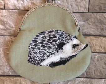 Hedgehog purse, ladies purse, coin purse, clasp purse, kiss clasp purse, hedgehog gift, green purse, change purse, large purse, clutch purse