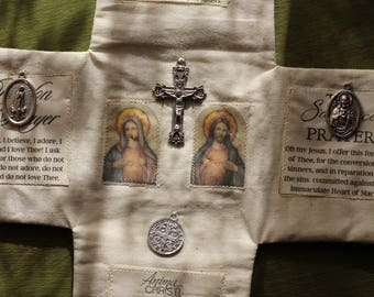 Our Lady of Fatima Pocket Shrine