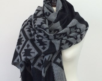 Tribal Blanket Scarf, Oversize Wrap Shawl, Gray Aztec Scarf, Men's Scarf, Travel Gift, Kilim Winter Scarf, Women Wool Scarf, Blanket Stole