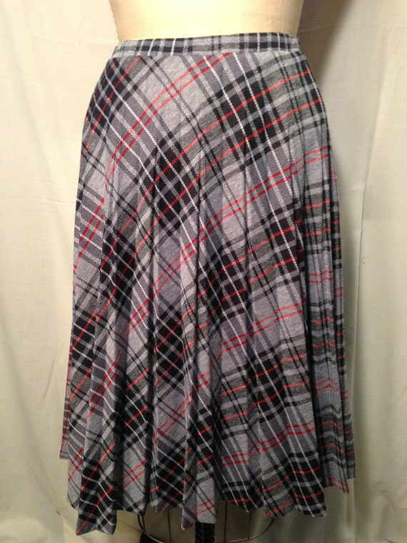 Vintage Grey and Red Plaid Pleated Skirt by Alfred Dunner Size 10 b7