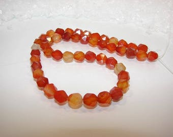 Natural 08 mm 20 faceted agate. Semi-precious stones.
