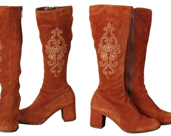 vintage 70s embroidered rust suede knee boots, boho hippie styling, block heel, size 5.5