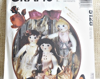 Ruffles Doll, Lingerie and Shoes // McCalls 5128 //  Vintage doll Pattern