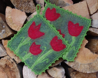 Felted Pot holders with red tulips, hot pads, green and red felted hot pads,wool hot pads, wool trivets, wool oven pads, kitchen decor