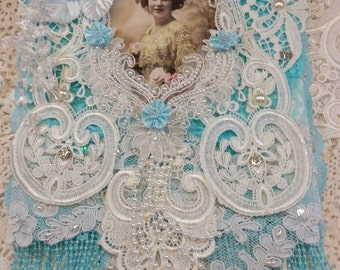 Miss Lilly Lace Wall Hanging