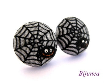 Spider earrings - Halloween earrings - Halloween spider studs - Spider studs - Spider post earrings sf652