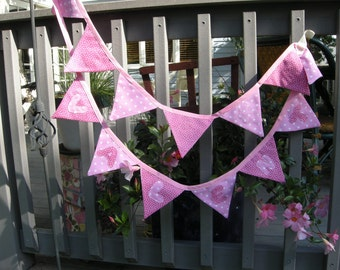 """Valentines Day Bunting, 8ft 9"""" with 14 double sided flags"""