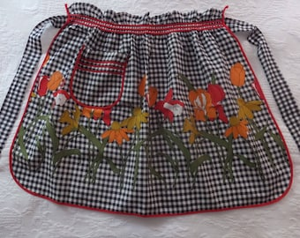Vintage Black & White Gingham Floral Red Piping Cotton Apron