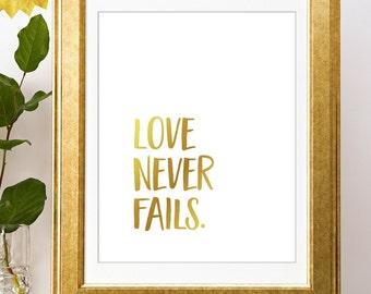 Love Never Fails Gold Foil | 1 Corinthians 13 Sign | Scripture Art | Bible Journaling Art  Bible Verse Art | Wedding Decoration | Home Decor