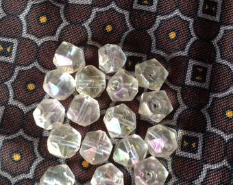nacklace with 16 transparent iridescent vintage beads