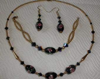 Handpainted Black Flora Necklace Set