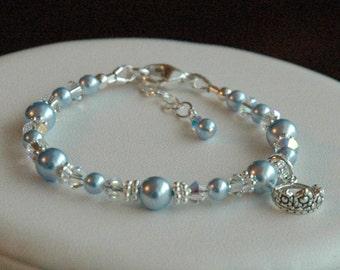 Child Princess Bracelet, Flower Girl Bracelet, First Communion Bracelet, Baptism Bracelet, First Baby Pearls Bracelet