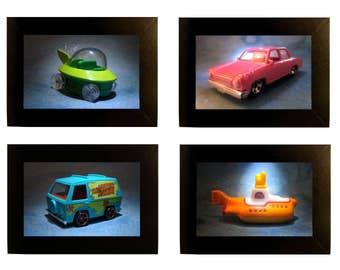 """Bande dessinée encadrée voitures jouet photos 4 x 6"""" Jetsons Simpsons Scooby Doo Beatles"""