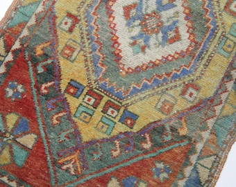 "3'x1'7"" Red, Blue and Green Vintage Small Turkish Yastik"
