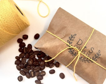 Rustic Summer Wedding Favors. Freshly roasted coffee favors with custom stamp. Made to order. Set of 100.