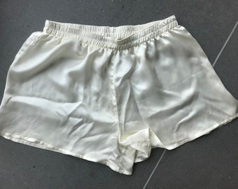 Silk ivory boxershorts for woman