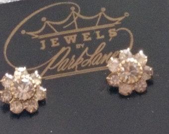 Lovely Vintage Park Lane 8 Rhinestone Stud Earrings