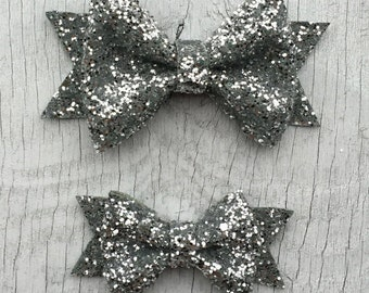 Silver Glitter Hair Bow // Glitter Bow Clip // Sparkly Bow Toddler Clip // Shimmer Hairbow // Glitter Hair Bow // Holiday Hair Bow / Shimmer