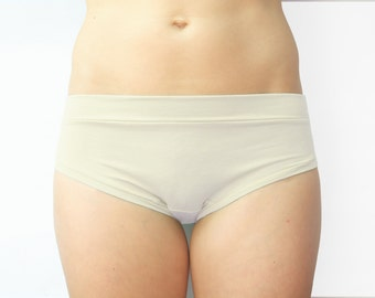 BASIC BRIEF / organic cotton jersey panties / eco friendly underwear / made to order / by replicca / size S to XL / natural un-dyed or black
