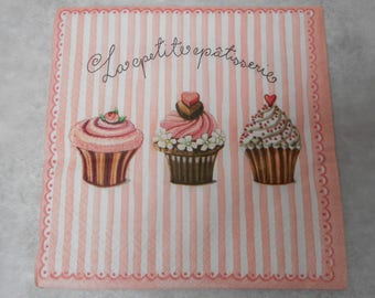 Cupcake themed paper napkin - size 33cm / 33cm