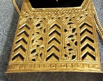 White Brass and Velvet Metal Hand Bag (7 1/2 x 5 1/2 x 1 1/2)