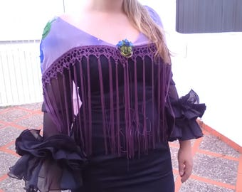 Flamenco Mantoncillo made of silk crepe topped with fringes made of purple crochet, you can wear it with any dress.