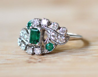 Vintage 1930s Art Deco Emerald Ring With Diamonds - Emerald Engagement Ring - Art Deco Engagement Ring - Vintage Emerald Ring