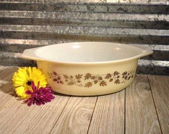 Pyrex GOLDEN ACORN Oval Casserole 043, Vintage 1.5 quart Promotional Pyrex Casserole Bowl, Pyrex Gold Acorn Ivory Baking Dish, Gold Leaf