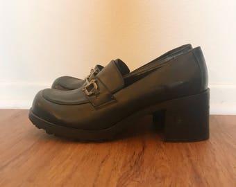 Vintage 90er Jahre schwarz Schnalle Leder Oxford Plateauschuhe 10