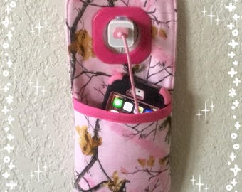 iPhone, iPod wall docking station ***Pink Realtree  ***