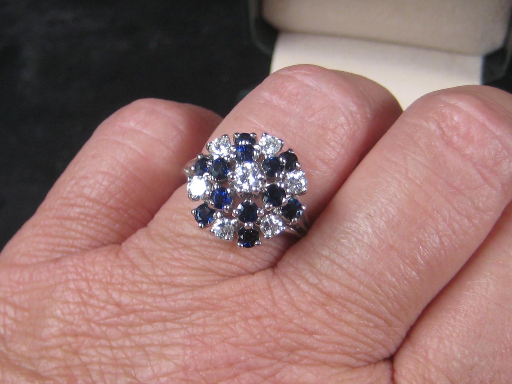 Dress Up Your Finger fabulous 14K White Gold Sapphire Cluster