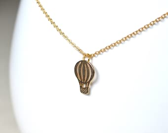 Ballooning pendant necklace