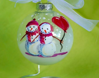 Snow-couple with Heart Balloon