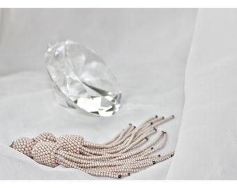 Oscar de la Renta Earrings Beige Tassel Earrings Oscar Style Statement Earrings Beaded Fashion Accessory Party Earrings Bar Casual Earrings