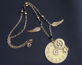 collier steampunk horloge ailée couleur bronze, laiton