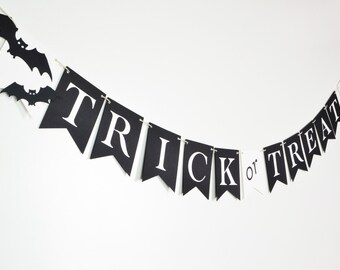 Trick or Treat Halloween Garland Black and White