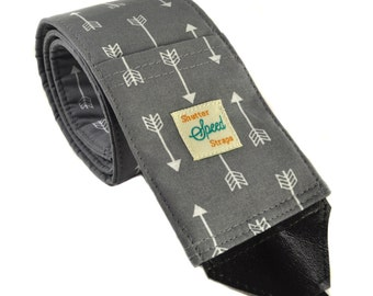 DSLR Camera Strap with Lens Pocket - The Arrows in Gray