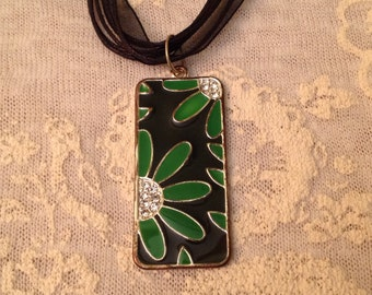 Emerald floral pendant necklace