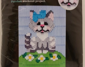 "Artiste Mini Long-Stitch Kit 1389121 ""Gray Cat"", 5.25in x 7.25in (13.34cm x 18.42cm)"