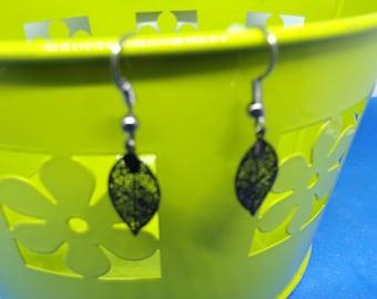 Earrings with leaf prints