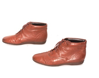 size 6.5 GRUNGE tan leather 80s 90s BOHEMIAN HIKING lace up ankle boots